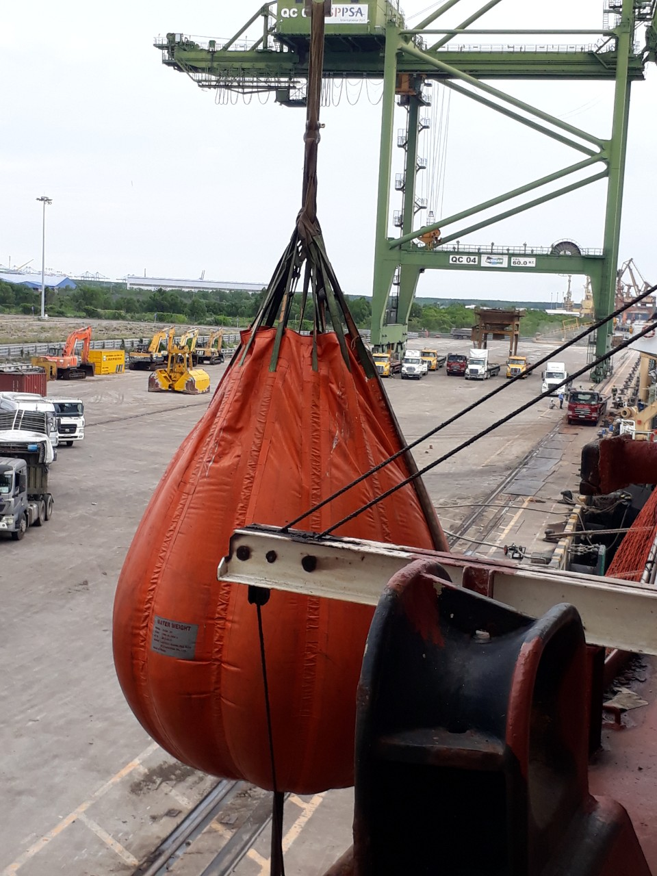 LOAD TEST CRANE SERVICES IN VIETNAM